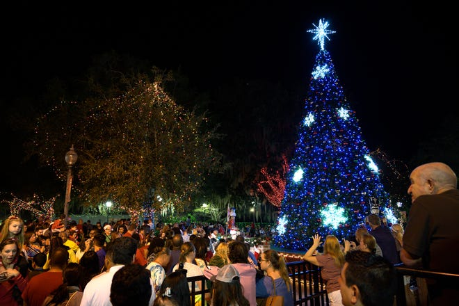 Holiday festivities begin in downtown Mount Dora this Saturday.