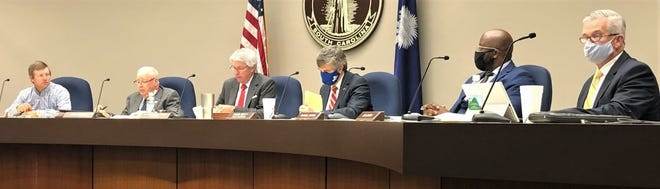 GO UPSTATE – Spartanburg County Council votes to give itself a pay raise