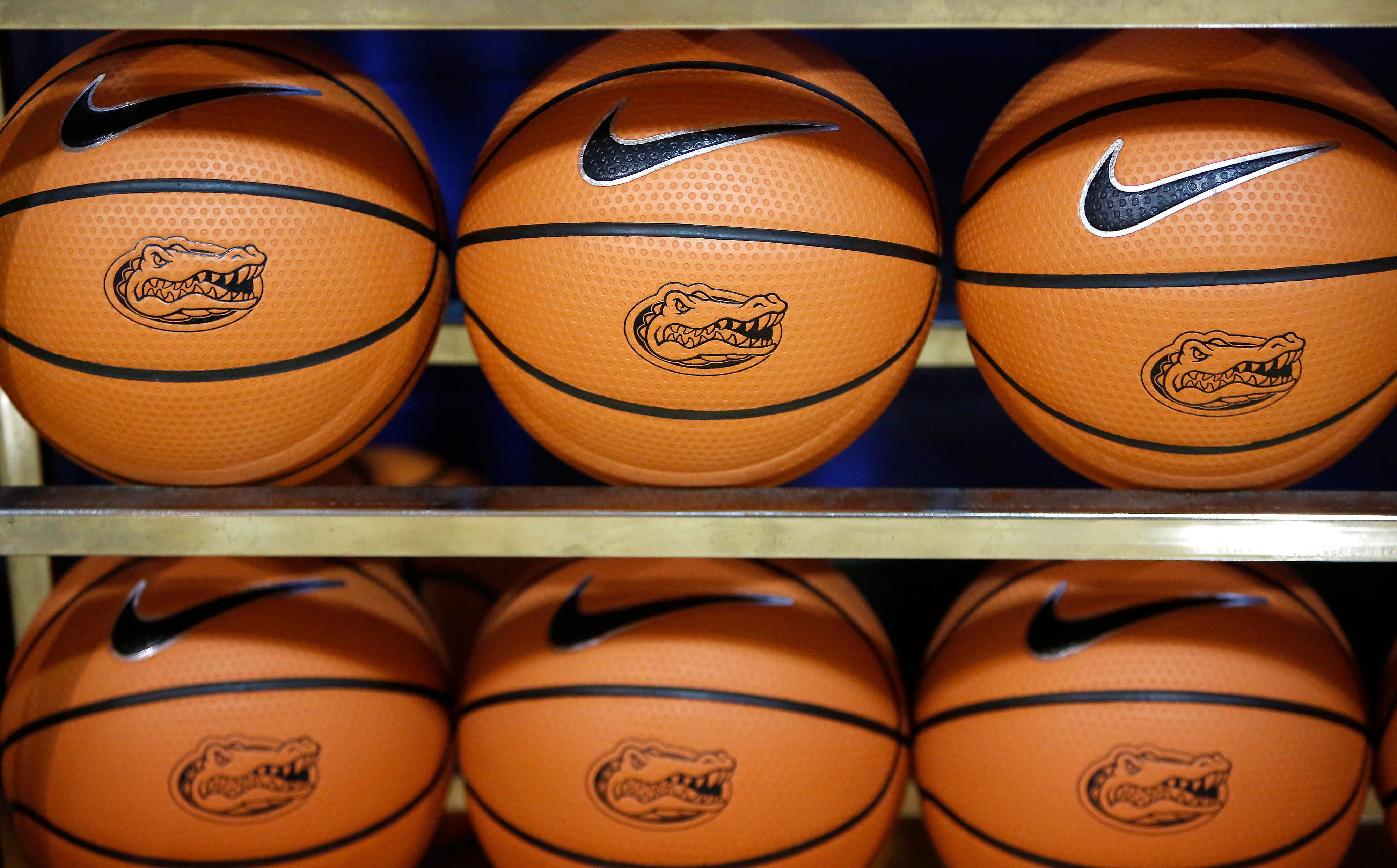 Florida Gators pull out of basketball tournament after positive COVID-19 test