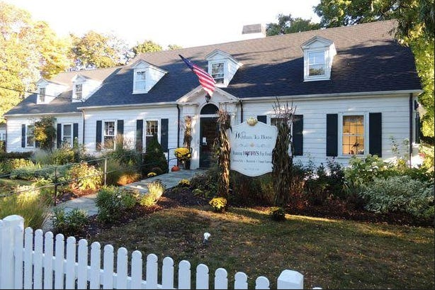 Local restaurateurs Brenden Crocker and Milissa Oraibi have signed a lease to open a new restaurant and retail shop at the historic Wenham Tea House.