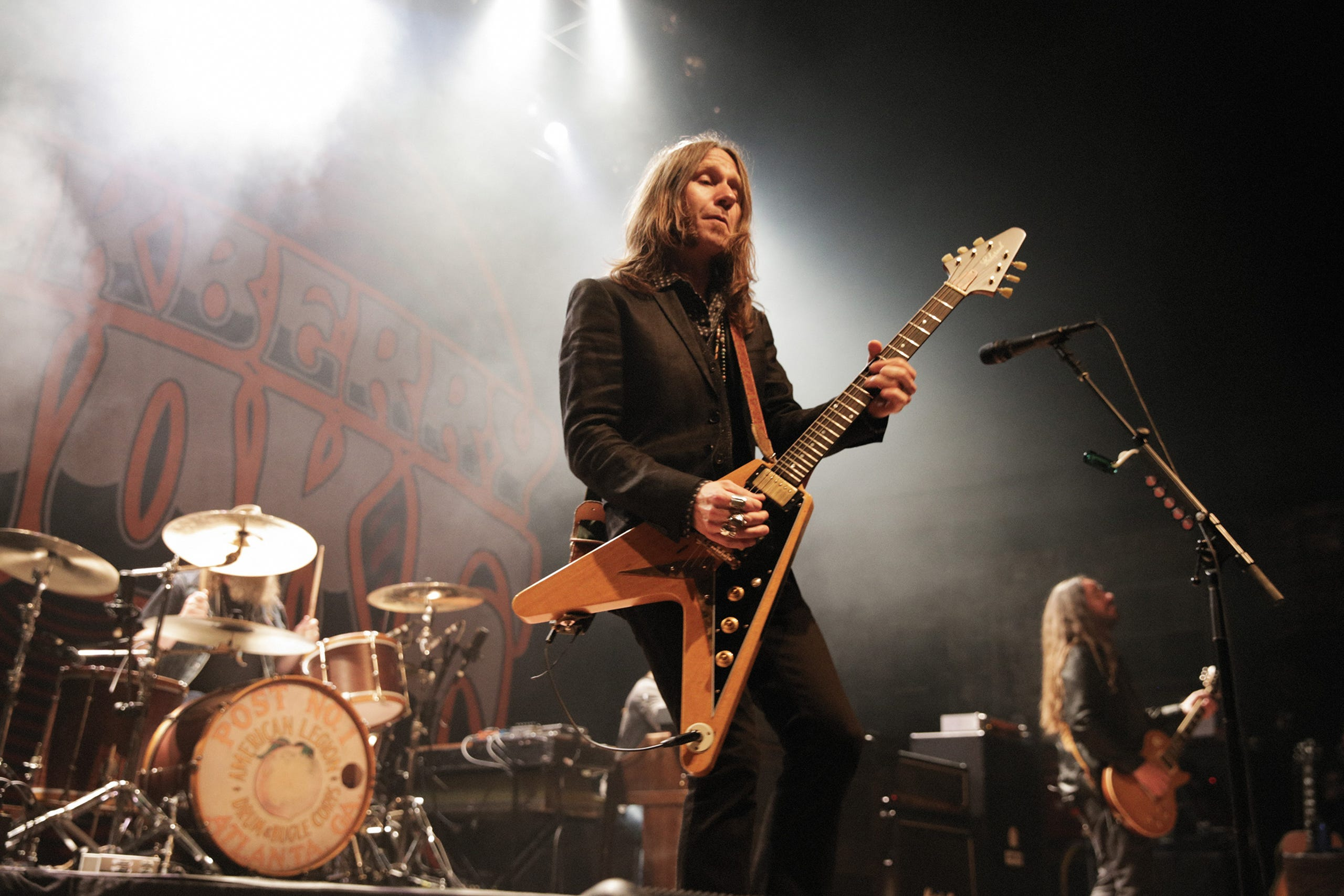 """""""Charlie Starr of Blackberry Smoke plays the Echopark V guitar handmade by Gabriel Currie at the Georgia Theater in 2018."""""""