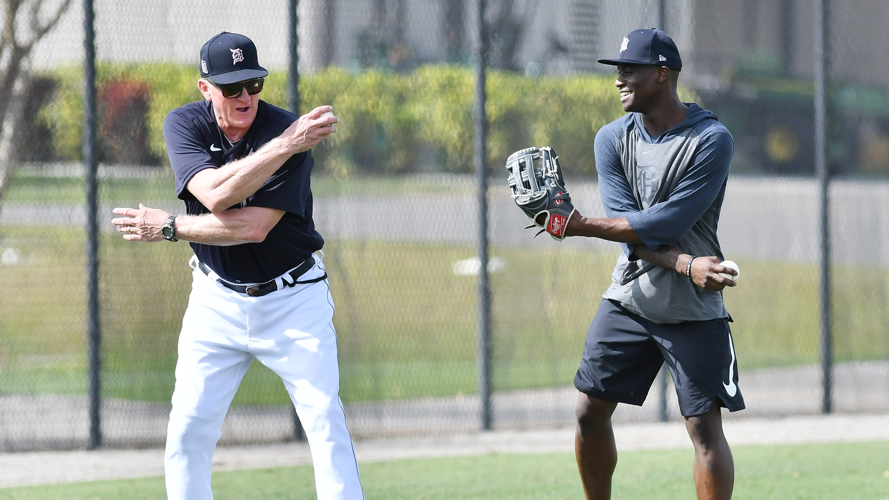 'No regrets:' Tigers longtime outfield instructor Gene Roof retires