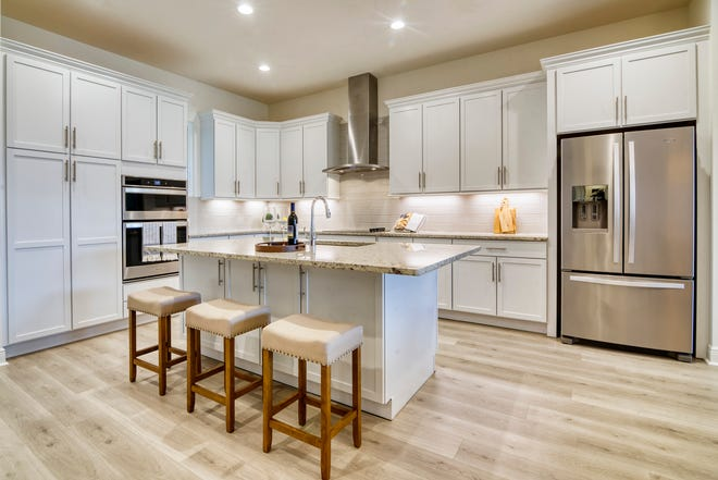Single-family home features at Genova include spacious floor plans, a premier location, private two-car garage for each residence, customization options and more.