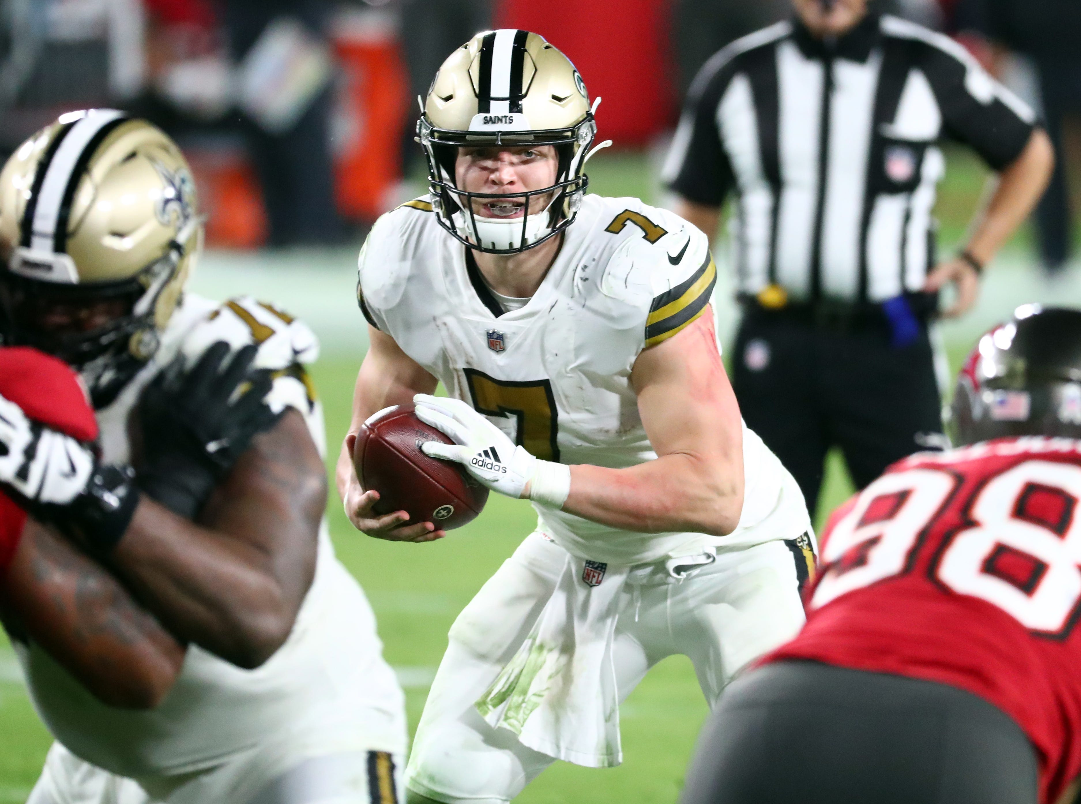 Fantasy football waiver wire: Is it finally time to embrace Saints' Taysom Hill?