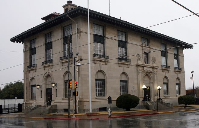 An Eastern District of Texas Courthouse sits in downtown Sherman.