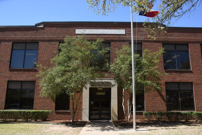 The Denison ISD Board of Trustees approved two items aimed at increasing morale and recognizing staff and educators during the COVID-19 pandemic.