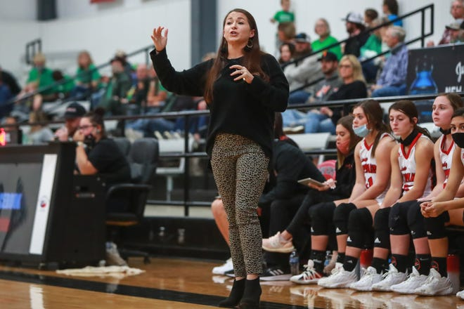 New Home head coach Stacy Manning instructs her players against Idalou on Tuesday, Nov. 17, 2020, at New Home High School in New Home, Texas.
