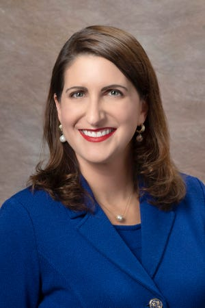 Angela M. Garcia Falconetti, Polk State College, received the 2020 Athena Leadership Award.