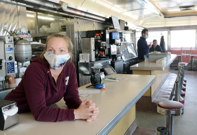 Bonnie Avery, 39, of Woodstock talks about being a waitress at Zip's Diner in Killingly during the pandemic. [John Shishmanian/ NorwichBulletin.com]