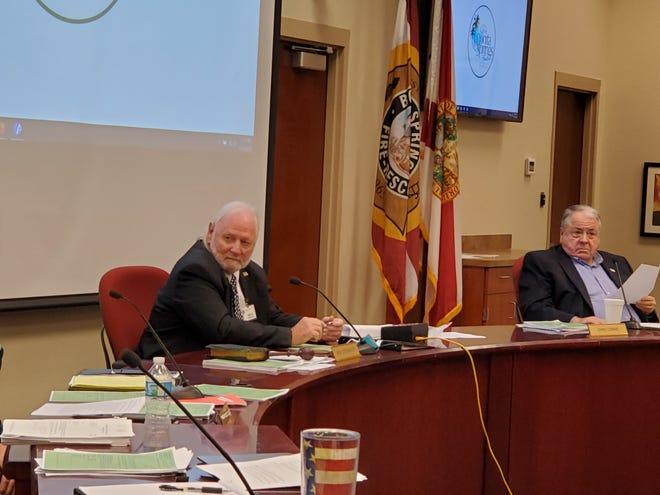 Bonita Springs Mayor Rick Steinmeyer oversees the city council meeting Nov. 18, 2020.
