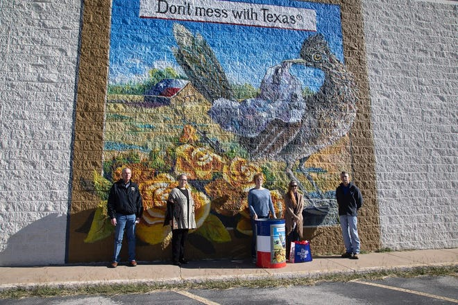 """Don't mess with Texas,"" mural painted by Crystal Goodman located at 3036 N. Bryant."