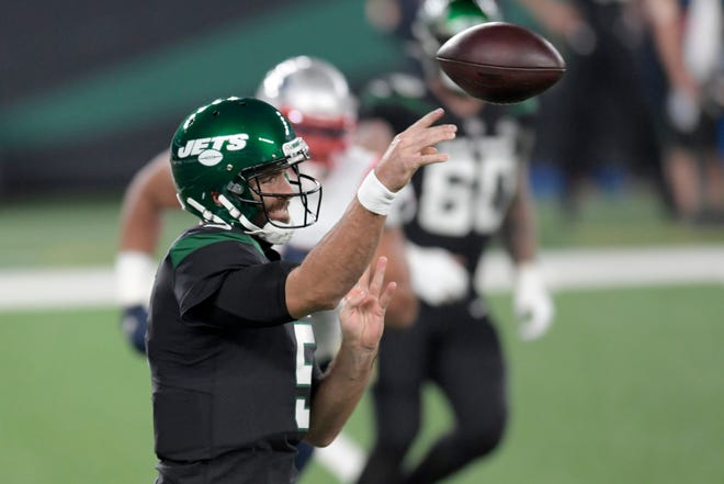 New York Jets quarterback Joe Flacco has split time with Sam Darnold this season. Darnold is dealing with an injury.