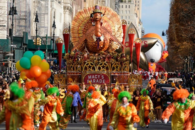 The Thanksgiving turkey leads off the parade on Central Park West at the Macy's Thanksgiving Day Parade in New York.