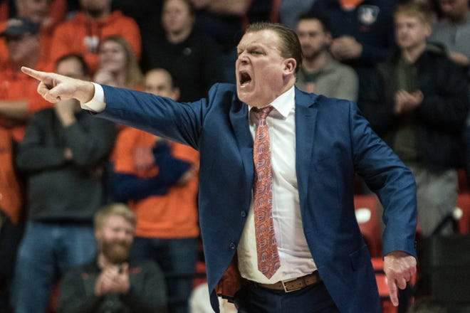 Illinois head coach Brad Underwood directs his team on Jan. 11, 2020, in Champaign, Ill.
