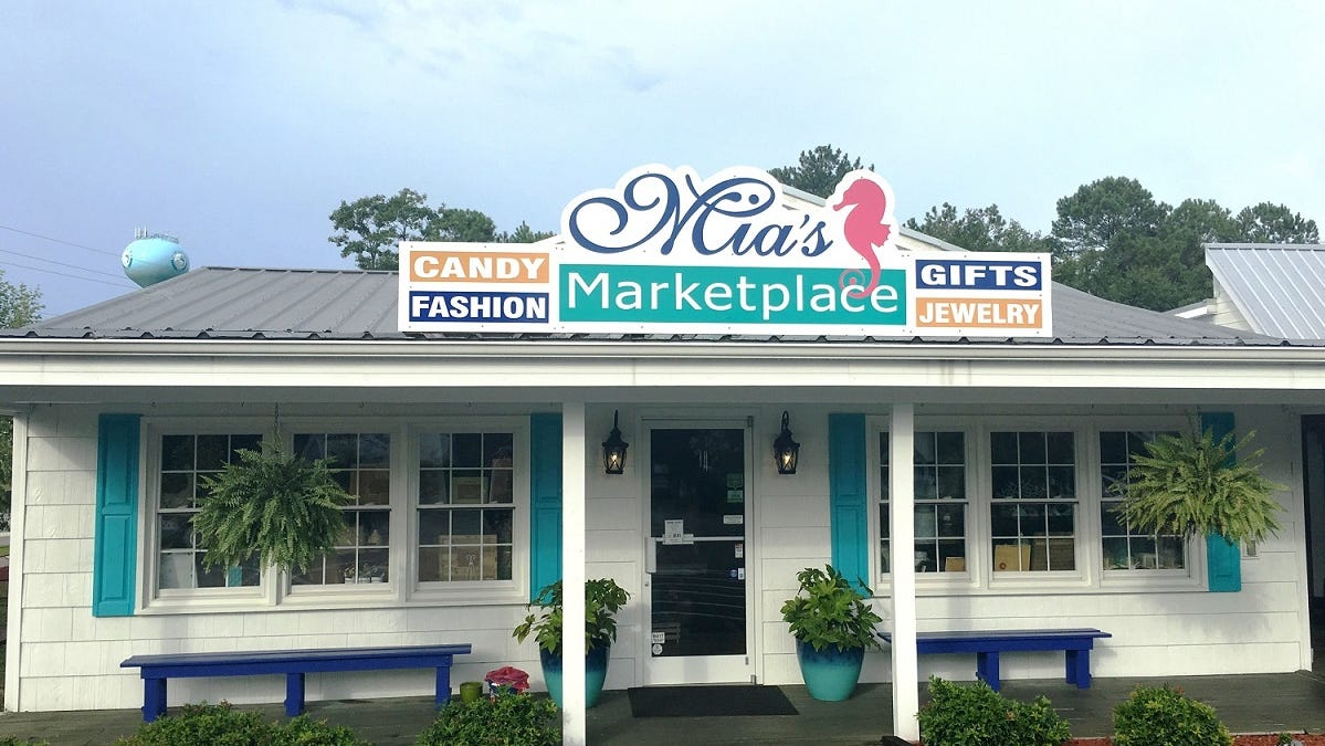 Mia's Marketplace and Coral Cottage Boutiques in Surf City   are hosting an outdoor holiday market the weekend after Thanksgiving.