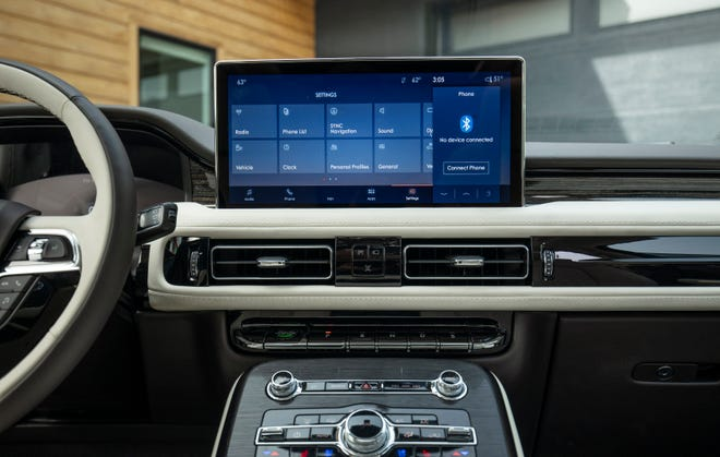 The 2021 Lincoln Nautilus's 13.2-inch touch screen is the biggest in any Lincoln/