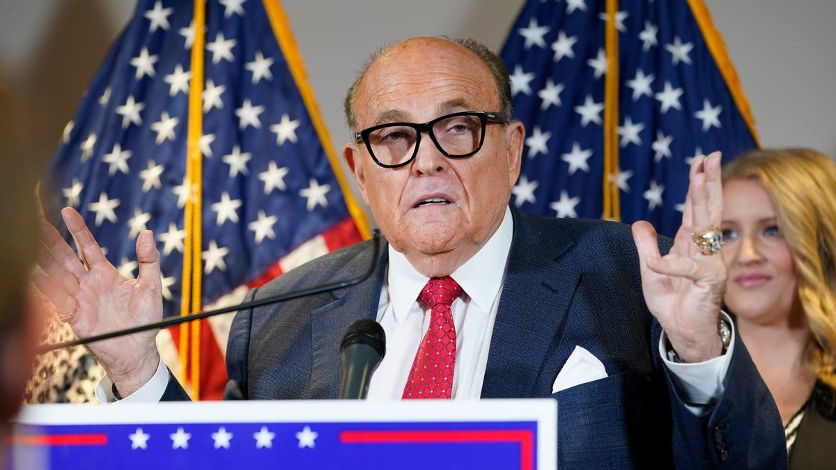 Rudy Giuliani will flip on Trump 'in a heartbeat,' Michael Cohen says 2