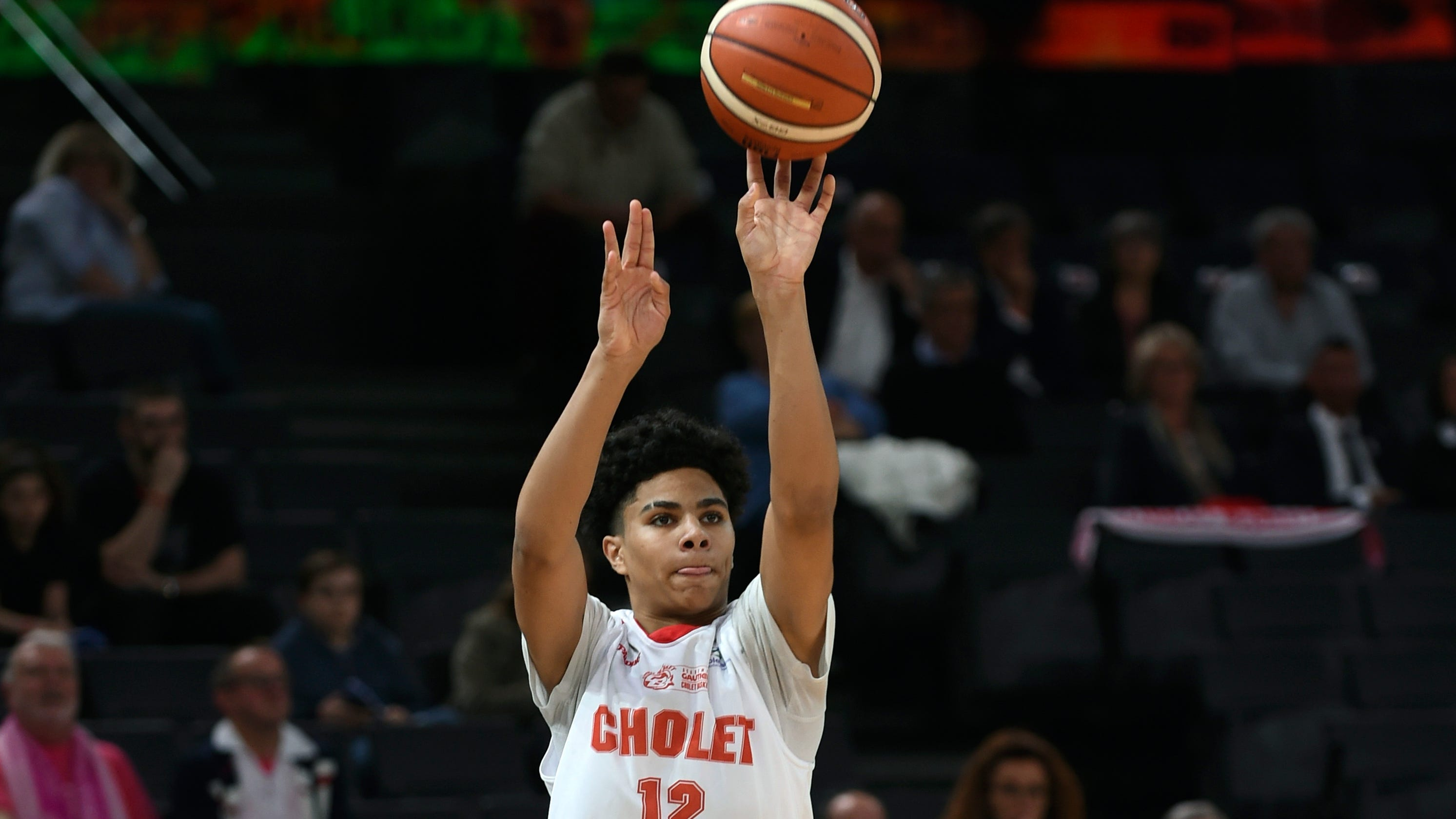 Pistons sign draft picks Hayes, Stewart, Bey and Lee to rookie deals