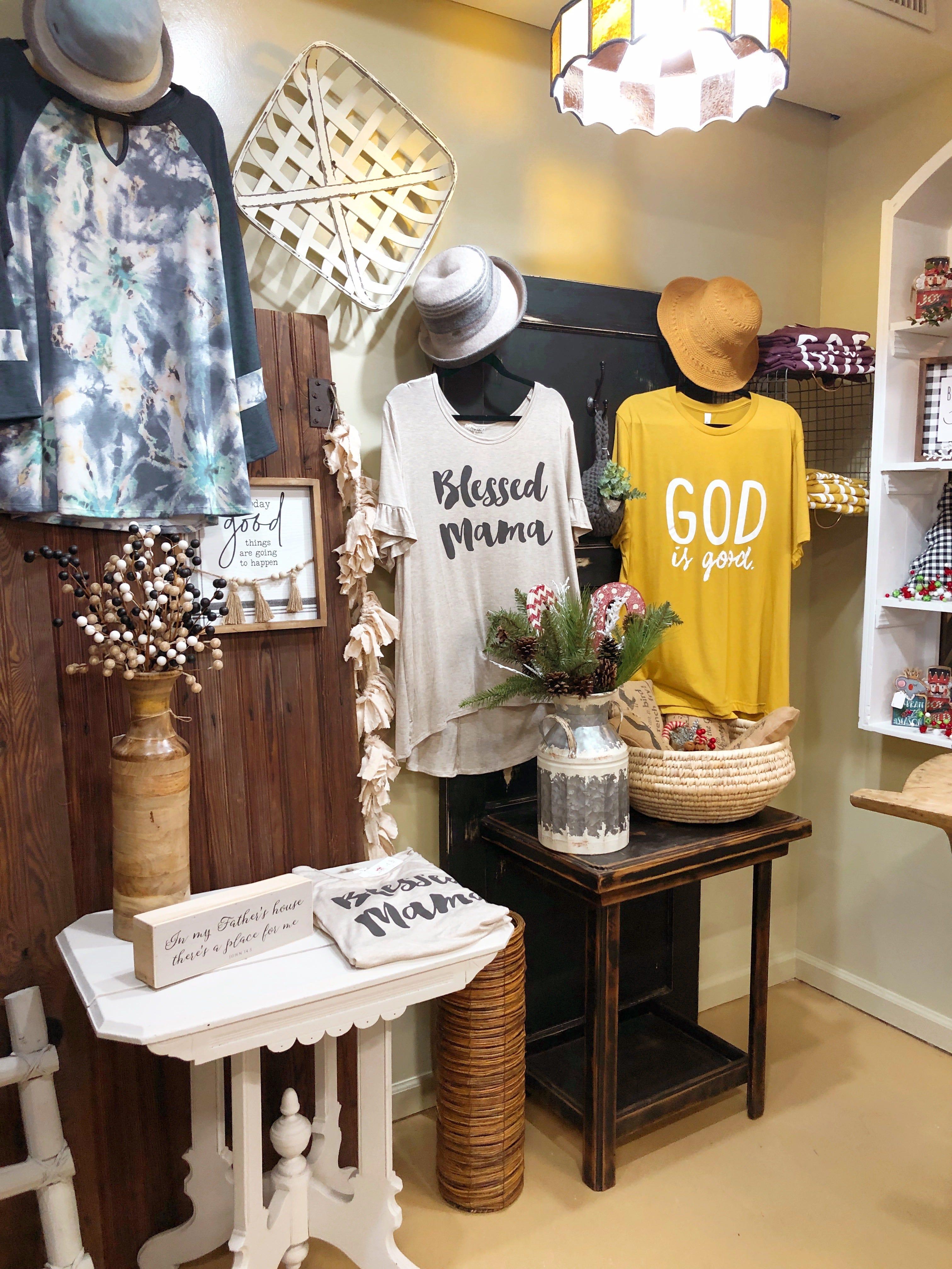 Children/'s Trapper Mittens ex shopfront display stock