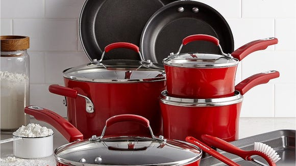 How gorgeous is this nonstick set?
