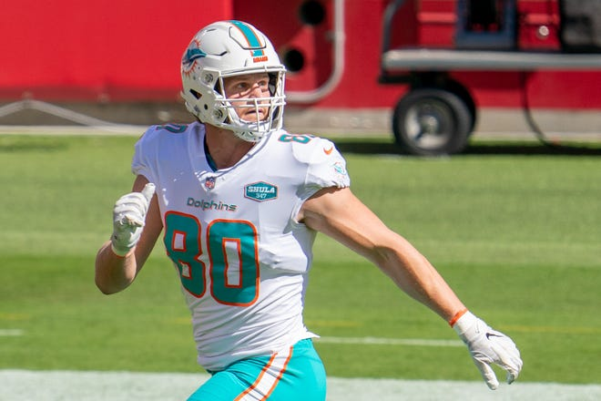 Former Ashland University and current Miami Dolphins tight end Adam Shaheen (80) warms up before a game against the San Francisco 49ers on Oct. 11, 2020 at Levi's Stadium.