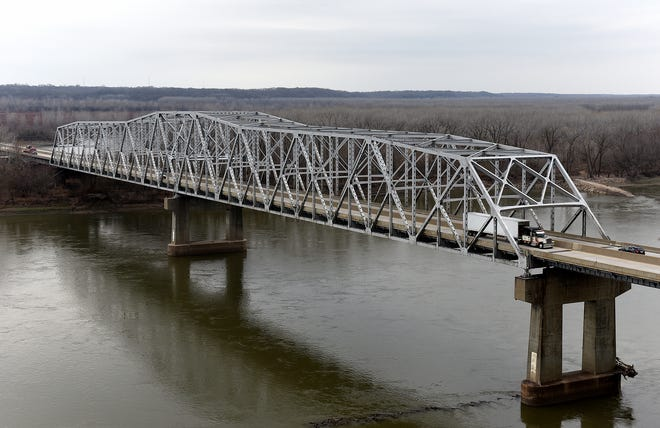Traffic flows across the 60-year-old Missouri River Bridge on Interstate 70 near Rocheport.