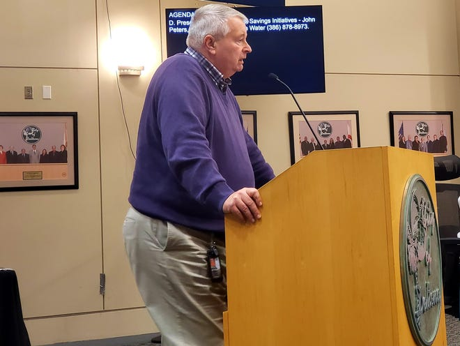 John Peters III, acting city manager of Deltona, speaks during a meeting at City Hall, 2345 Providence Blvd.