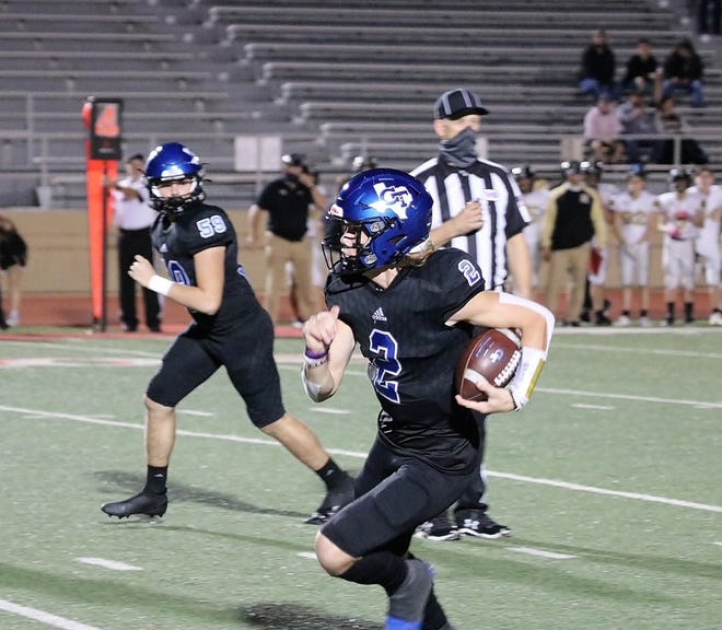 Gunter's Hudson Graham ran for three touchdowns and threw three TD passes in a Class 3A Division II Region II victory over Henrietta.