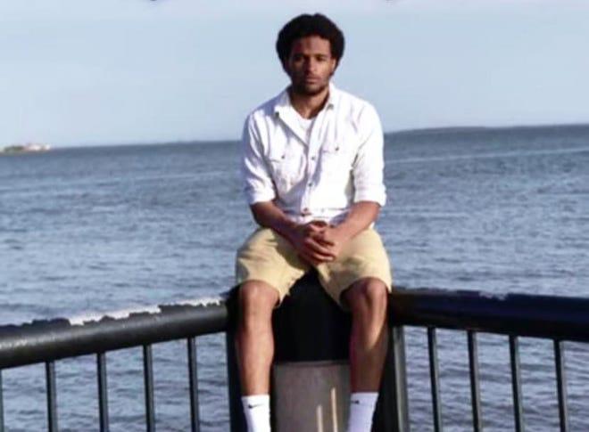 Elijah Dominic Weatherspoon, 18.
