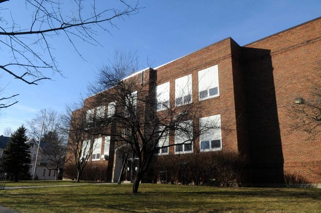Monroe County has OKed the lease of the Ramsey School building to the Monroe County Courthouse.