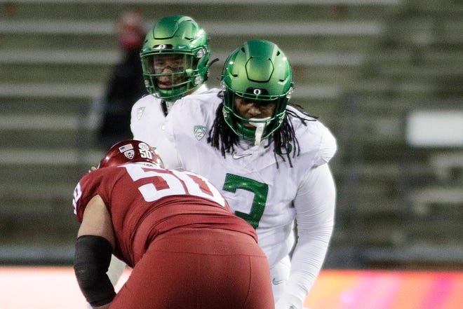 Jordon Scott and the Oregon defense haven't been able to force a turnover despite the fact the Ducks are off to a 2-0 start.