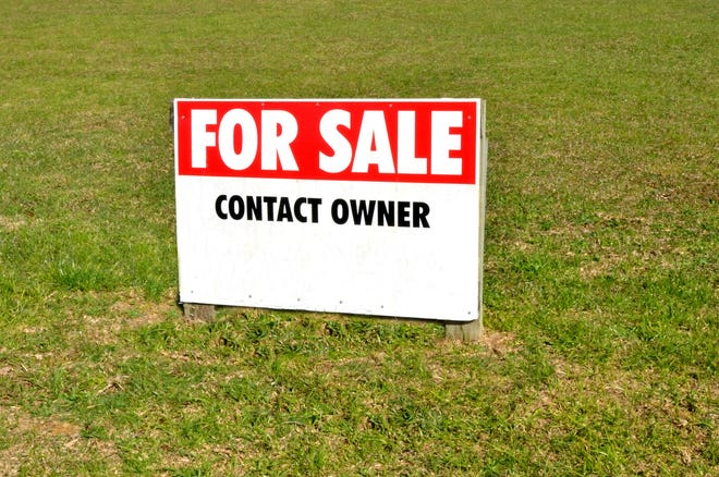 Several homeowners prefer selling their property on their own.