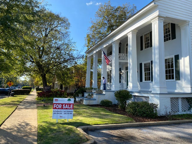 The Minor-Searcy-Owens house is located at 2606 Eighth St. in Tuscaloosa. [Staff Photo/Gary Cosby Jr.]
