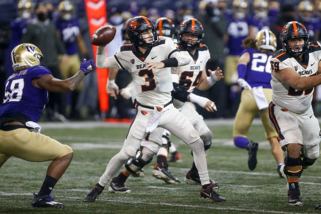 Oregon State quarterback Tristan Gebbia (3) threw for only 85 yards in last week's 27-21 loss at Washington.