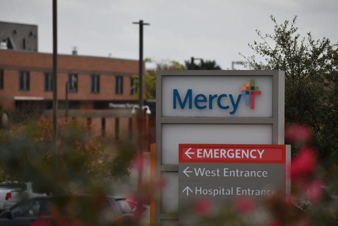 The Mercy Hospital Ardmore campus on Saturday, Nov. 21, 2020. At least 10 patients in the hospital's emergency department on Monday were waiting for inpatient beds elsewhere as the number of COVID-19 patients being treated at the hospital nearly doubled since Thursday.