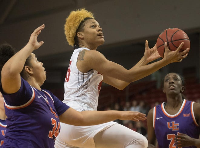 Bradley women's basketball player Nyjah White moves to the basket during a 2019 game against Evansville.