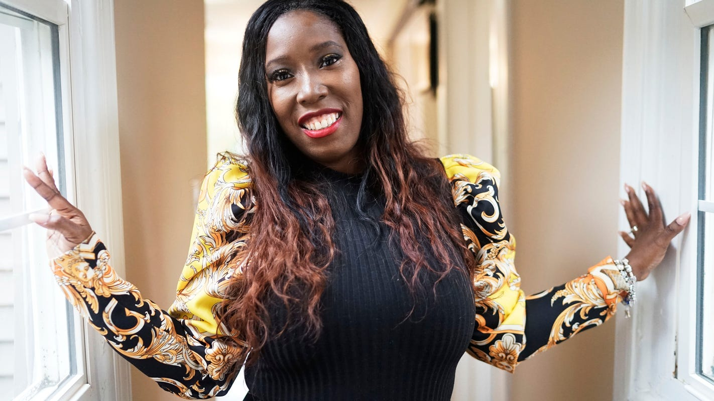 Detroit salon owner's key to success: Make a space that feels like home to customers