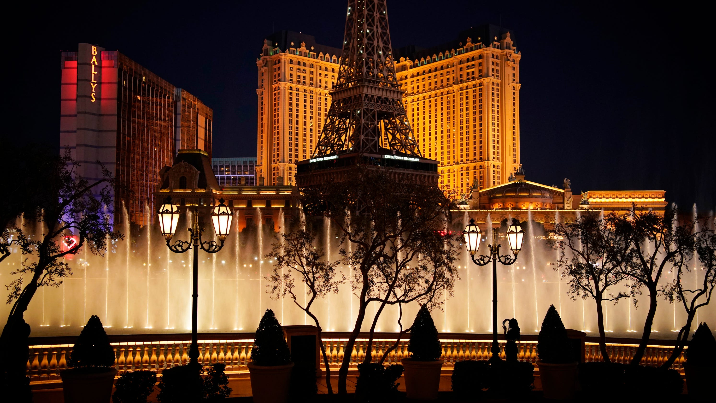 What do Nevada's new COVID-19 restrictions mean for Las Vegas? Here's what you need to know