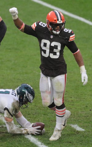 Browns linebacker B.J. Goodson has tested positive for COVID-19 and will miss Sunday's game against the New York Jets and next week's game against the Pittsburgh Steelers. [Phil Masturzo/Beacon Journal]