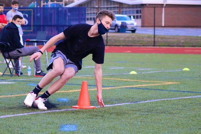 Connor Lockhart of Pembroke High competes in the Patriot League combine on Saturday 21 November 2020 at Hanover High.