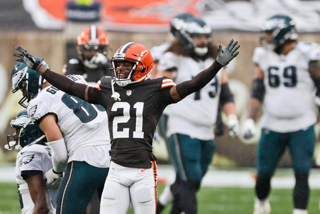 Browns cornerback Denzel Ward (21) celebrates after breaking up a pass during the second half of a game against the Philadelphia Eagles, Sunday, Nov. 22, 2020, in Cleveland. (AP Photo/Ron Schwane)