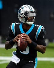1287070117.jpg CHARLOTTE, NORTH CAROLINA - NOVEMBER 22: PJ Walker No. 6 of the Carolina Panthers warms up during the advance before meeting the Detroit Lions at the Bank of America Stadium on November 22, 2020 in Charlotte, North Carolina.  (Photo by Grant Halverson / Getty Images)