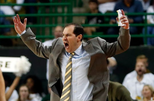 Scott Drew's Baylor Bears enter the season as No. 1 in the USA TODAY Sports men's basketball coaches poll.