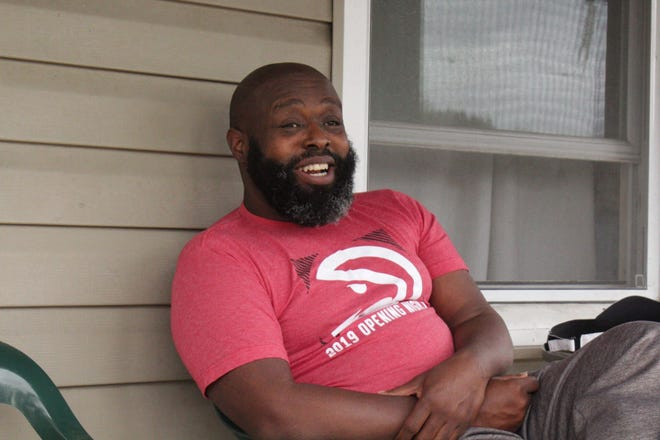 Disabled veteran Eddie Logan was facing an eviction in August, but attorneys from the St. Louis nonprofit law group ArchCity Defenders helped settle his case.