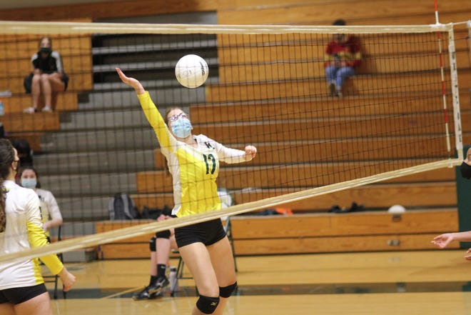 White Oak held its home volleyball debut Thursday in a five-set win over Northside. [Chris Miller / The Daily News]