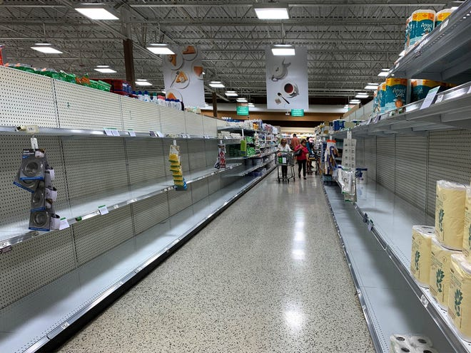 Publix groceries is limiting customers to two each of items like paper towels and toilet paper again because of increased demand in Royal Palm Beach November 23, 2020. (ALLEN EYESTONE/THE PALM BEACH POST)