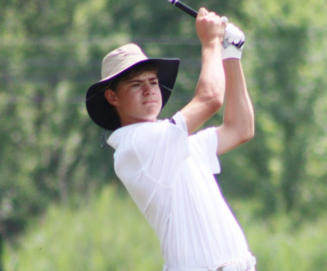 Aurora's Max Devins, a freshman, averaged 40.4 for nine holes this season.