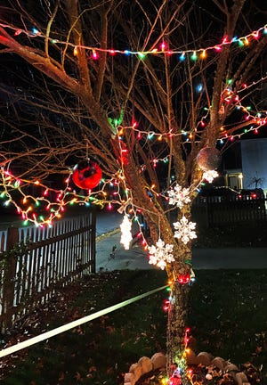 Holiday Lights for Hope challenges Middleboro residents to create a holiday light display and is a fundraiser for low-income college students in need of assistance.