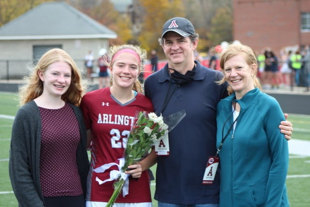 Senior Caleigh Lyons and family