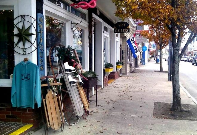 The Scituate Chamber of Commerce and the Scituate Business Association are encouraging people to shop local during the holidays and help keep local businesses afloat.
